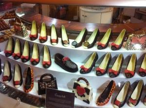 Chaussures et sacs à main en chocolat