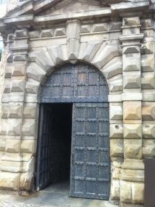 une des portes du château d'Aubenas