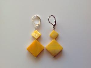 boucles d'oreilles jaunes nacré