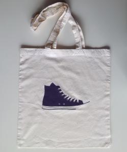tote bag chaussure violette