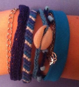 bracelet manchette multiple bleu